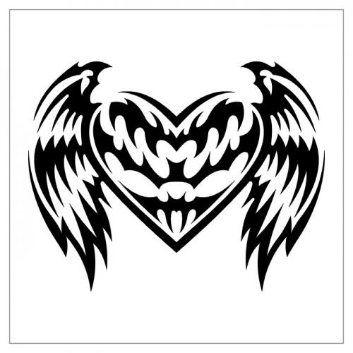 Эскиз тату сердце в племенном стиле с