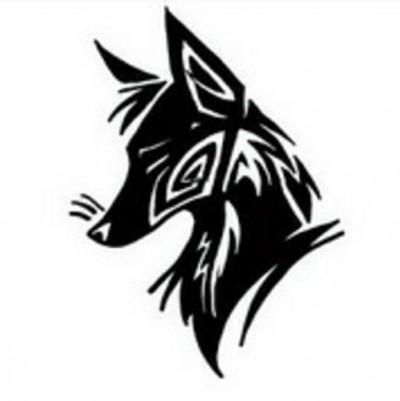 Черно-белый эскиз татушки в виде головы лисы