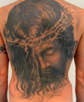 Тату голова Иисуса с терновым венцом - на всю спину