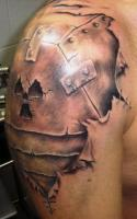 Тату железное плечо со знаком радиации