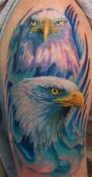 Тату на плече орел и орлица