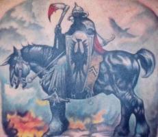 тату воин на черном коне