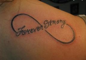 Тату бесконечность и надпись forever strong